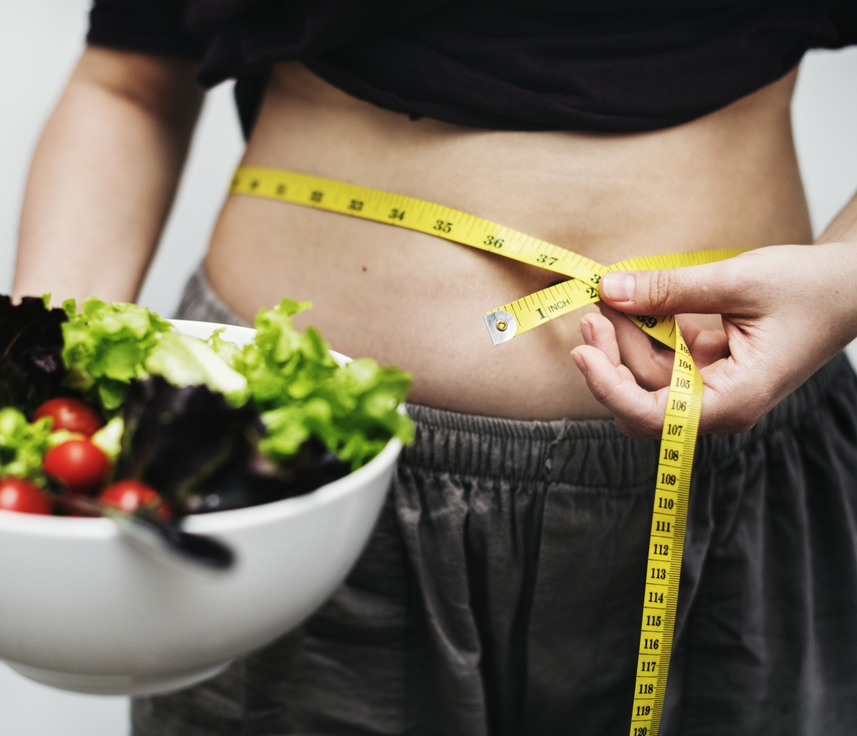 Jak szybko schudnąć? Dieta na płaski brzuch